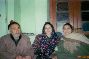 Sadaf Munshi with Raja Safdar Ali and his wife Mimi (Srinagar, 2004)